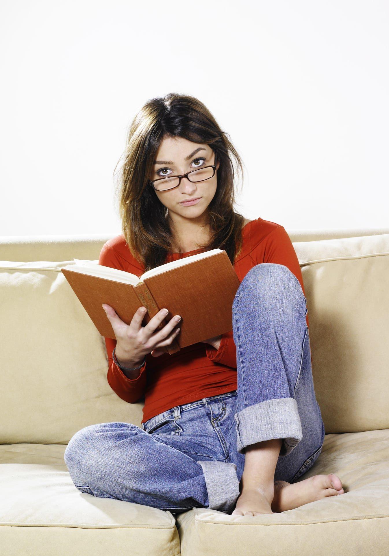 femme et livre
